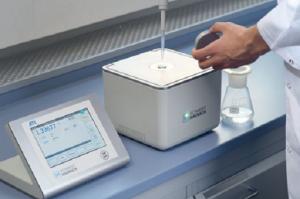 Поляриметры SCHMIDT + HAENSCH для фармацевтической отрасли