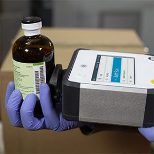 Agilent Vaya: Raman hand-held spectrometer for quick identification of raw materials through opaque packaging