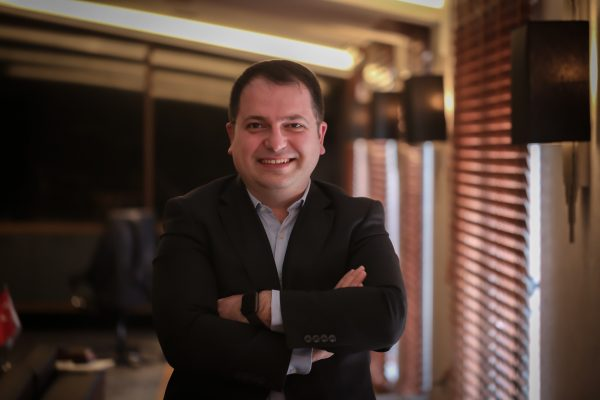 5 minutes from .... Ozgur Yilmaz Gomec, VISIOTT Sales Director