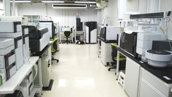 SHIMADZU analytical equipment for the pharmaceutical industry. Overview. Part 6. Liquid chromatographs